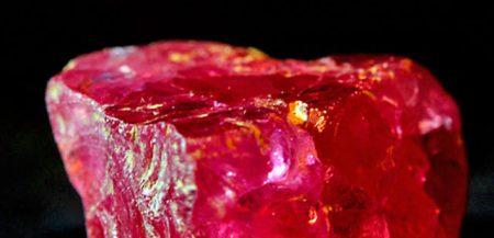 Полудрагоценный камень Шпинель: свойства и характеристики