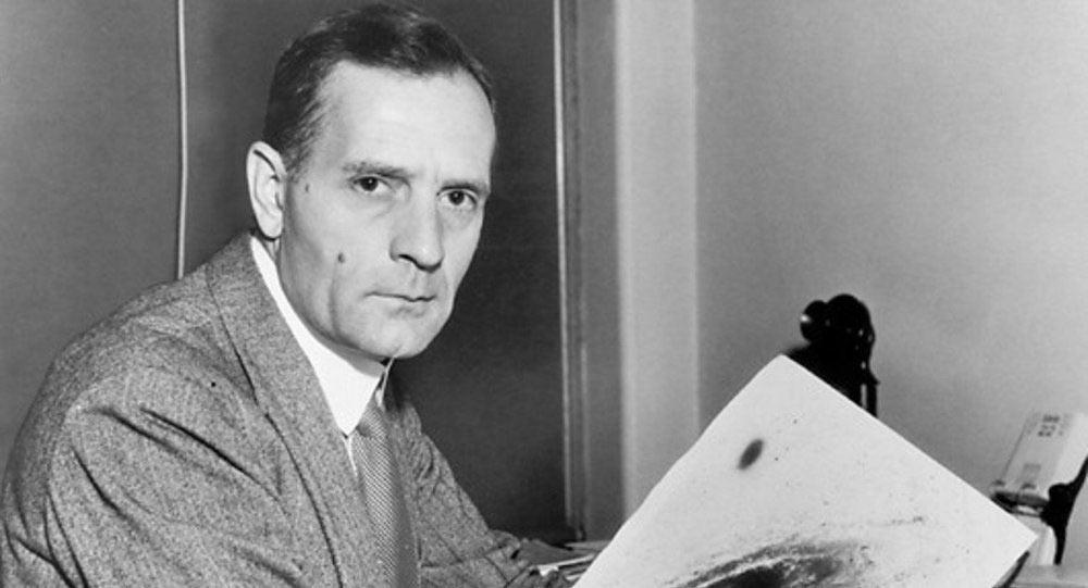 Эдвин Хаббл первым понял природу свечения космических туманностей