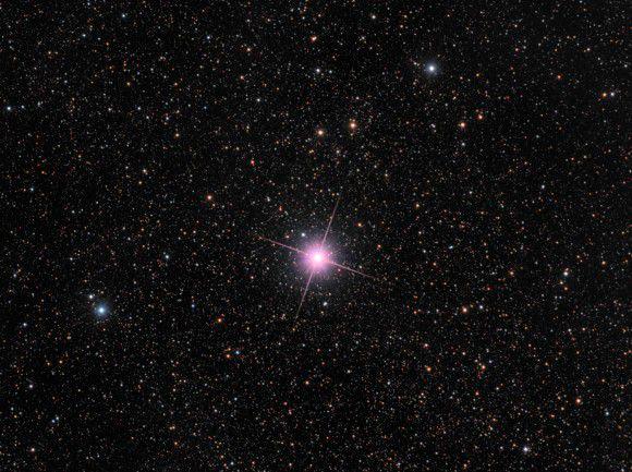 Ещё одна звезда открытая в 2013 году - Новая Центавра 2013