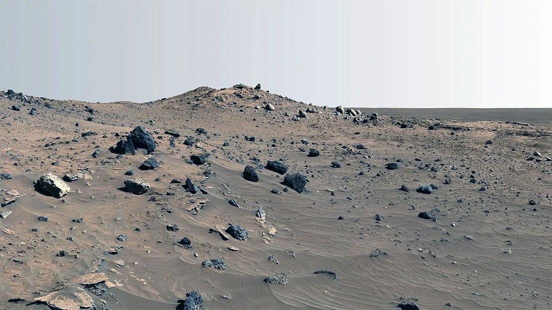 Типичный марсианский пейзаж - бесплодная каменистая равнина