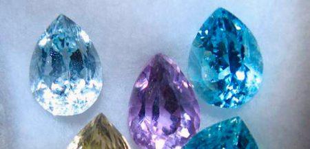 Имитации драгоценных камней стеклом, симили, стразы,дуплеты