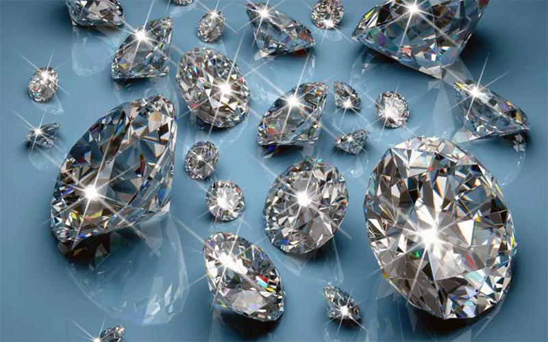 Гравитация создает в звездах алмазы