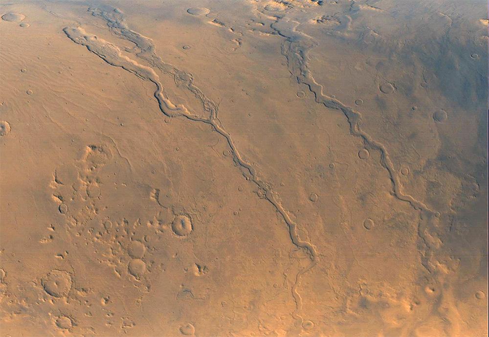 Долины Дао и Нигер - две «марсианские реки» длинной более 400 км.