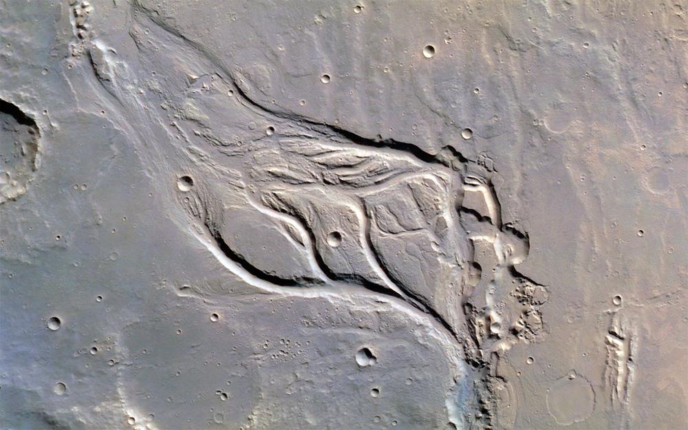 Высохшая река на Марсе - возможно астрономы начала 20-го века принимали за марсианские каналы марсианские реки?