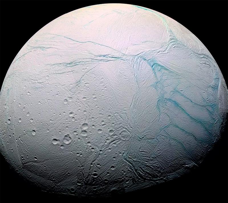 Энцелад - таинственный ледяной мир. Вполне возможно с горячим сердцем и множеством тайн ждущих нас под слоем льда