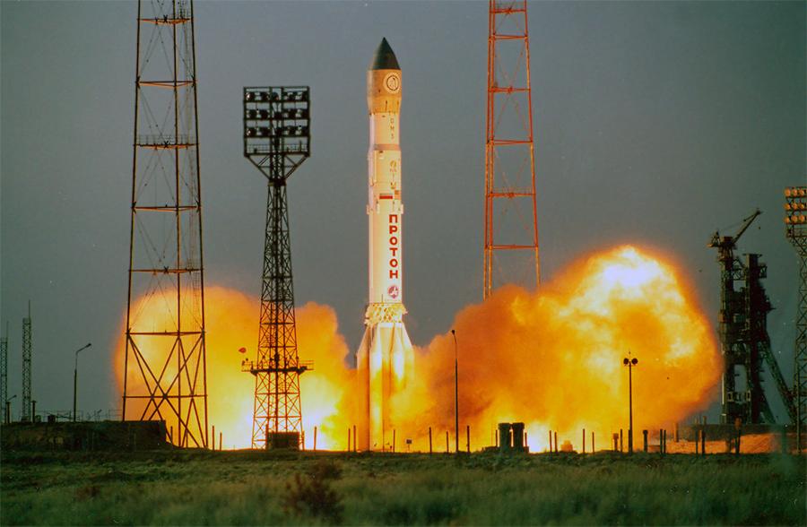 Старт ракеты-носителя «Протон» с космодрома «Байконур»