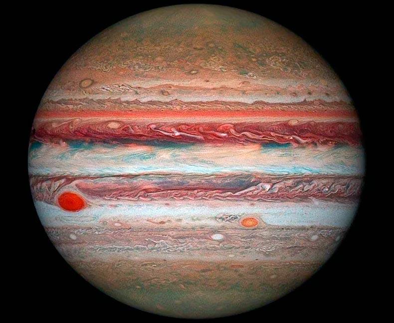 На самом деле, красное пятно Юпитера - не единственный гигантский шторм на этой планете