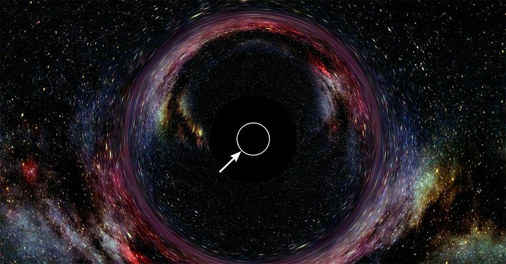 попытка изобразит черную дыру: саму «дыру» мы не видим, но видим во-первых собранную ей массу материи, а во-вторых - искажение светового излучения происходящие под действием гравитации черной дыры