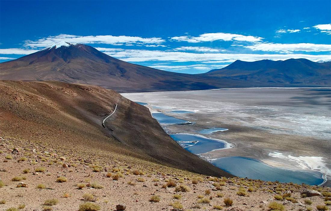 Высокогорное плато Альтиплано в Боливии - возможно так и выглядел умирающий Марс 3,5 млрд лет назад