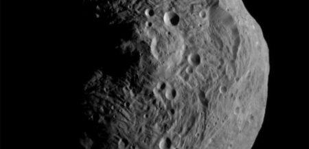 Откуда берутся следы жидкой воды на астероидах?