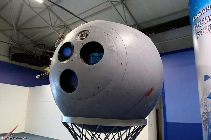 Спускаемая капсула первого отечественного разведывательного спутника «Зенит-2»