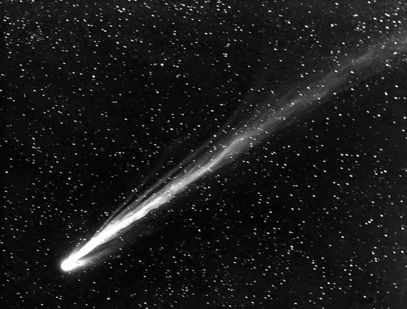 Комета Морхауза (C/908 R1)