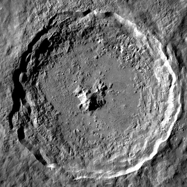 кратер Тихо на луне