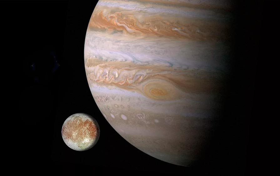 Спутник Европа и планета-гигант Юпитер