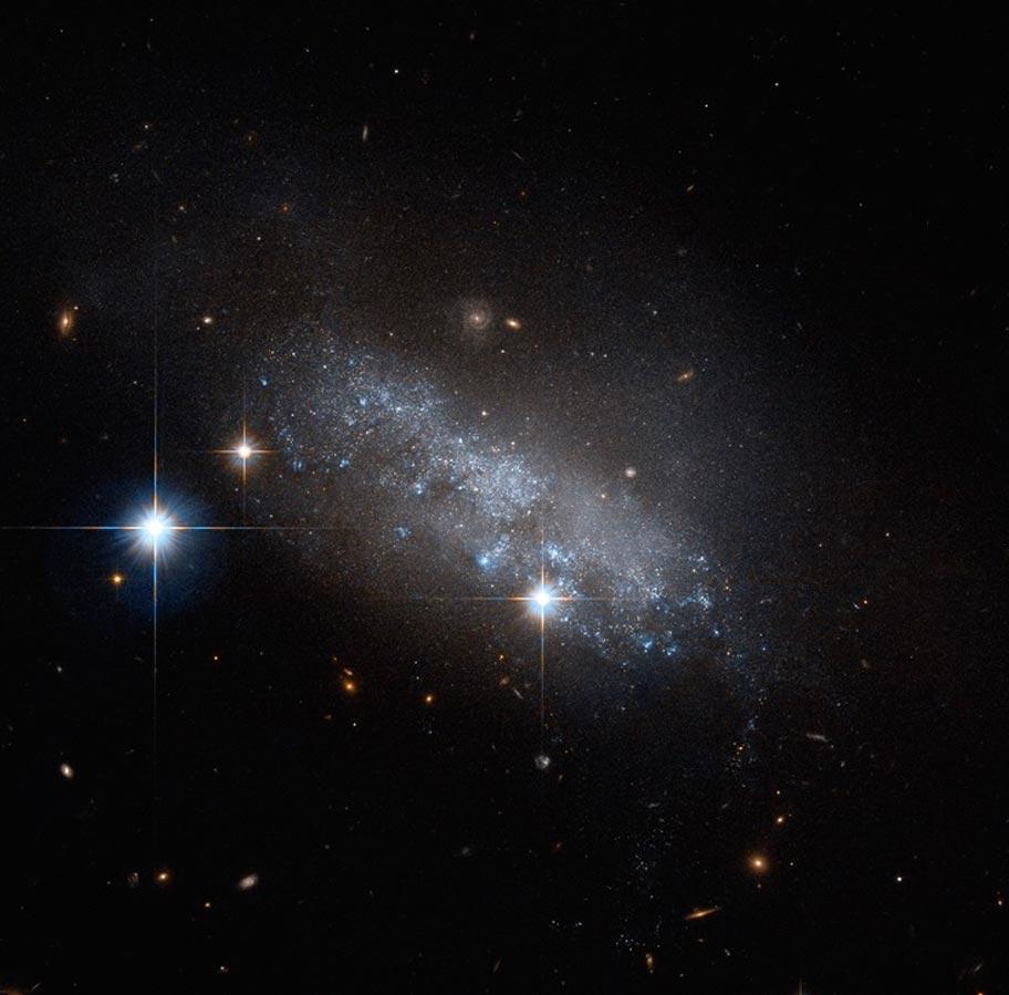 Неправильная галактика IC 3583 в созвездии Девы