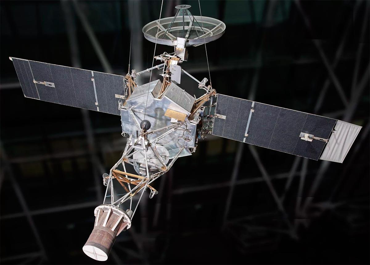 Макет межпланетной автоматической станции «Маринер-2»