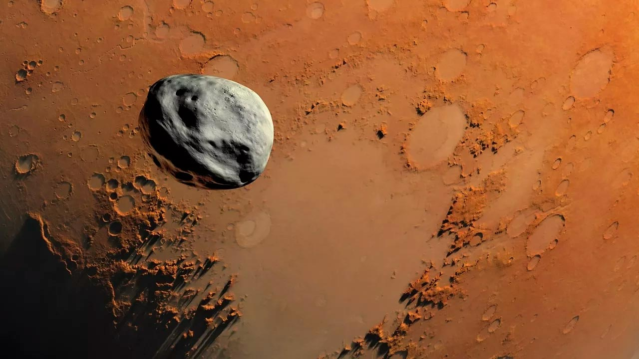 Поверхность Марса испещрена кратерами от ударов метеоритов. Некоторые из них были так сильны, что выбили куски марсианской породы в открытый космос