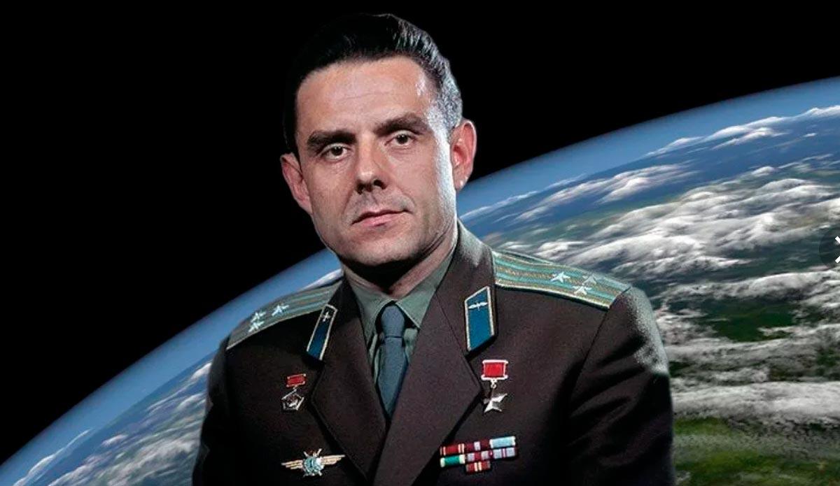 Владимир Михайлович Комаров, первый космонавт погибший при выполнении полетного задания
