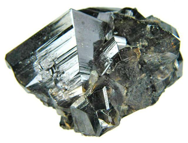 Касситерит - камень с высокой плотностью (Плотность драгоценных камней)