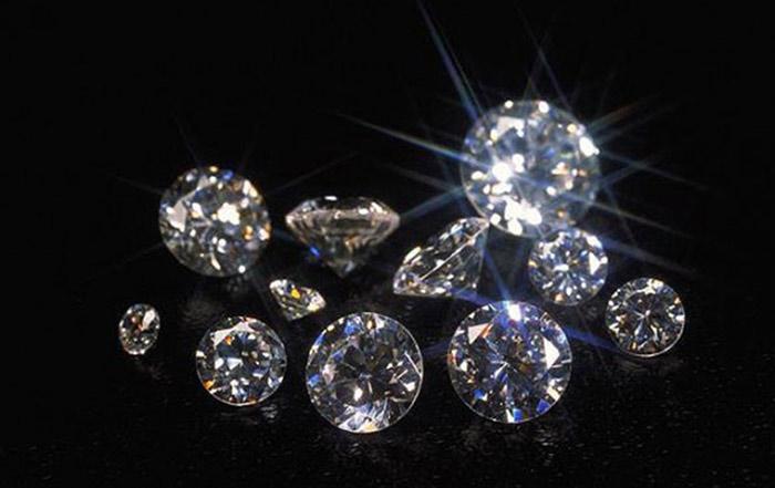 свет и цвет драгоценных камней