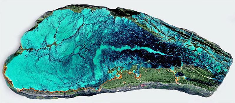 Скол полудрагоценного камня бирюзы
