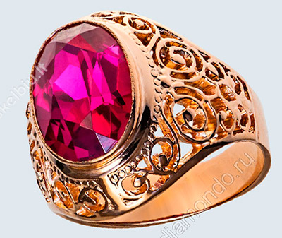"""Синтетический рубин в золотой оправе. Строго говоря такой """"настоящий"""" рубин, как природные образцы"""